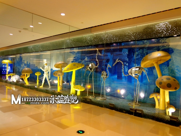 重庆雕塑铁皮鸟、泡沫蘑菇、玻璃钢人、泡沫熊