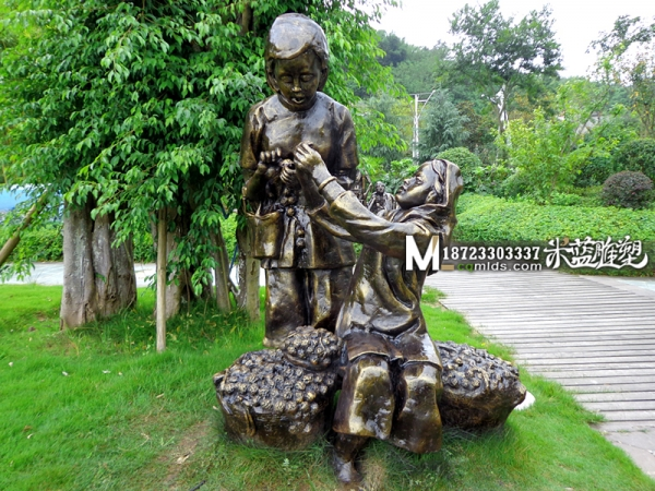 重庆玻璃钢人物雕塑旧社会人民