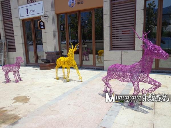 重庆铁艺雕塑鹿子