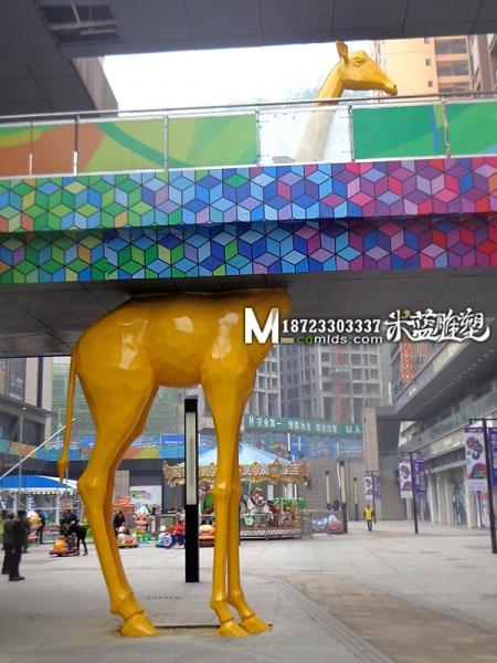 重庆玻璃钢雕塑长颈鹿