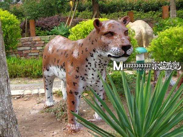 重庆水泥雕塑动物豹子
