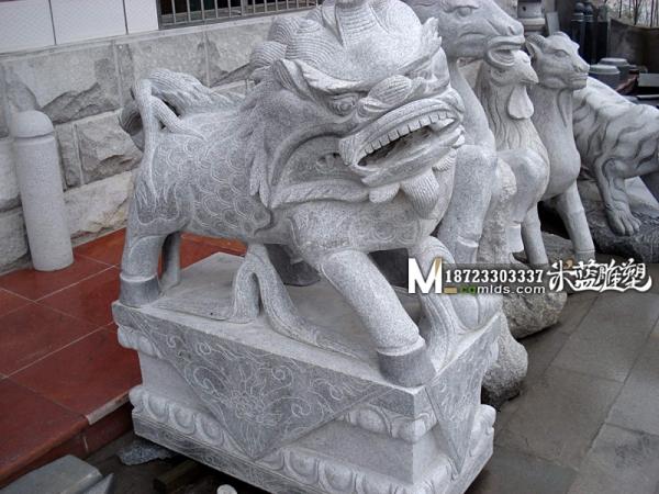 重庆石雕石狮子