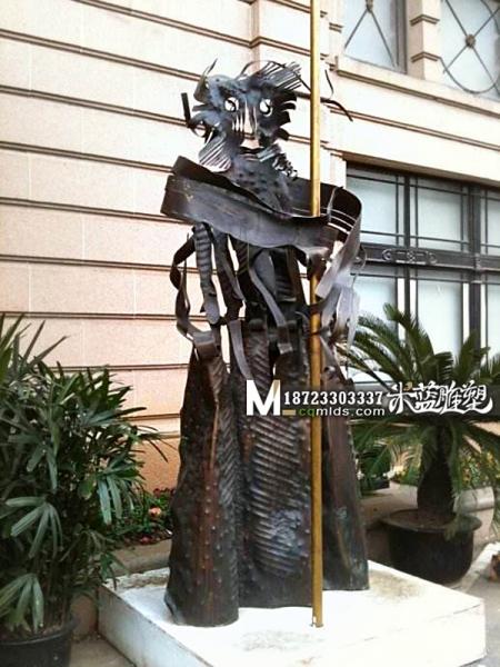 重庆铜雕抽象人物雕塑